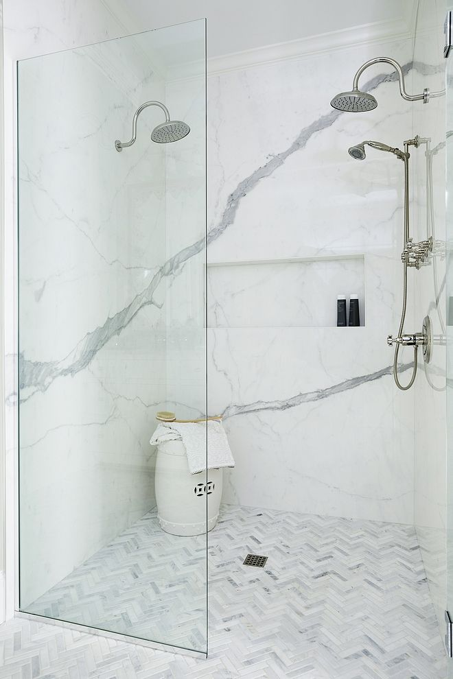 Curbless shower Best tiles for curbless showers source on Home Bunch #curblesssh...