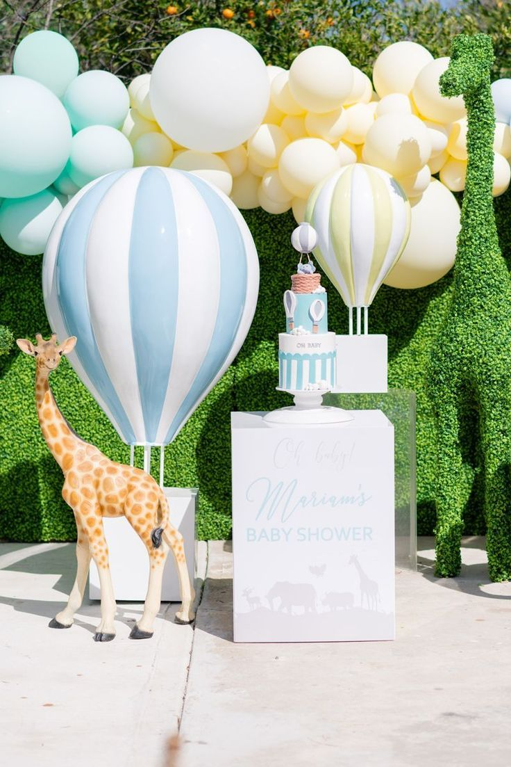 JUNGLE HOT AIR BALLOON BABY SHOWER - Oh It's Perfect #bohobabyshowerideas -  #Air #Baby #ball...