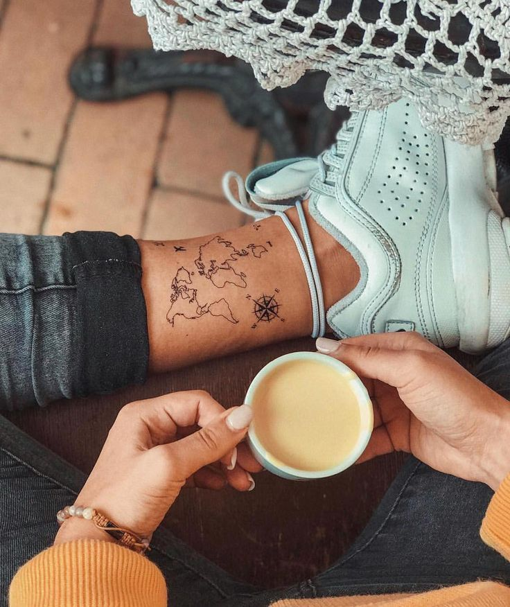 World map Temporary Tattoo / Airplane flash tattoo / Wrist tattoo for travelers / Wind rose Compass - Today Pin
